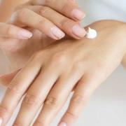 tratamiento estético de manos en Marbella